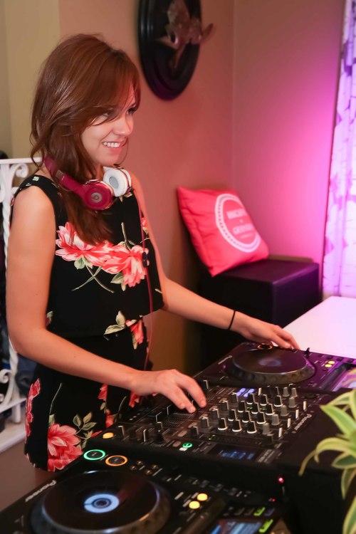 DJ Yasmin Vilhena